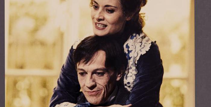 Una foto di scena con Toni Bertorelli